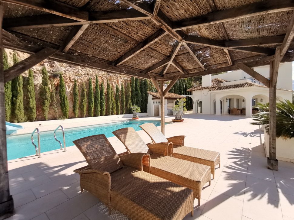 Villa with wonderful views in Altea Hills